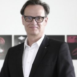 Portrait-Rolf Hering-lowres